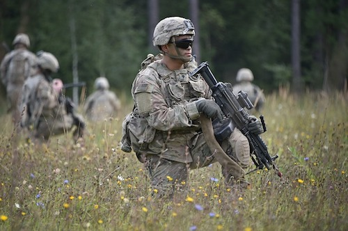 camouflaged soldiers